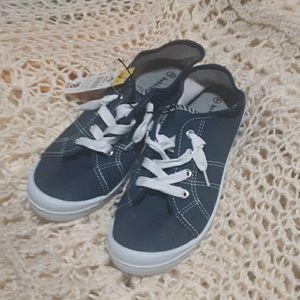 Nwt denim sneakers with memory foam